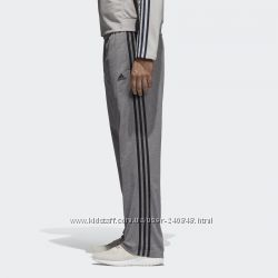 Спортивные брюки adidas. размерM-XL. оригинал