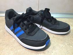 Кроссовки Adidas размер 31 по стельке 20 см, отл. сост.