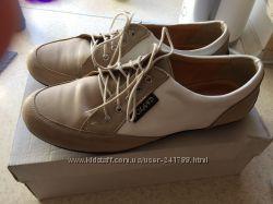 Женские туфли-кедики в отличном состоянии