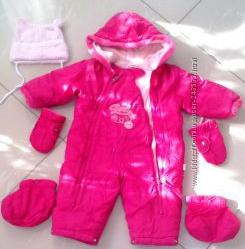 Зимний комбенизон для девчушечки с шапочкой, варежками и сапожками