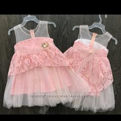 Необычайно красивое платье с кружевом.