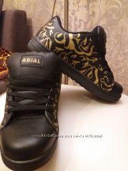 Кроссовки Arial