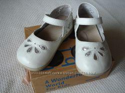 Туфли детские белые Little Blue Lamb для девочки