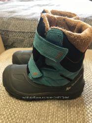 Продам зимние ботиночки Quechua