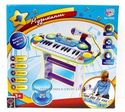 Детское Пианино - синтезатор со стульчиком и микрофоном 7235 Музыкант