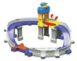 Chuggington Игровой набор Вилсон на ремонтной станции в наличии