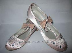 Бальные туфли на каблуке для девочки