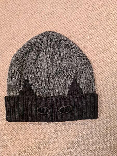 Продам шапку бетмен