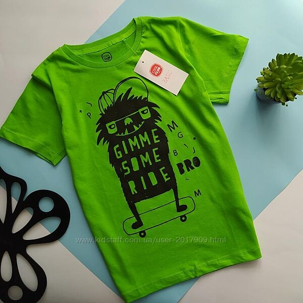 Яркая футболка от Cool Club