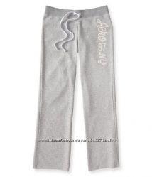 Брендовые брюки Аeropostale ррС с блестящими буквами белые