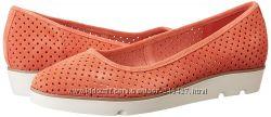 Clarks туфельки Evie Buzz коралловые, замшевые