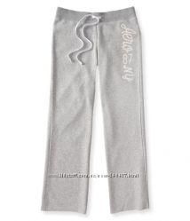 Брендовые брюки Аeropostale ррС с блестящими буквами белые и ультрамарин