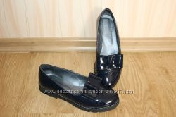 Лаковые туфли лоферы на танкетке размер 36