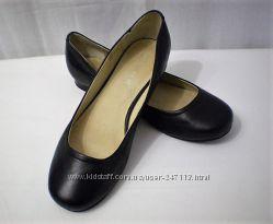 Элегантные легкие стильные туфельки 40 размер
