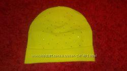 Яркая мягкая жёлтая шапка