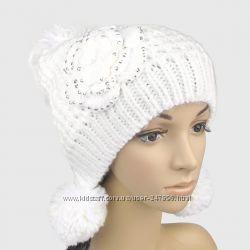Вязаные шапочки с помпонаими это тепло и стильно