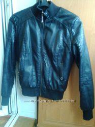 Качественая курточка на меху, р. 42-44