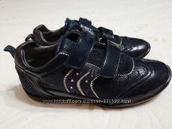 Туфельки Geox 32 размера в очень хорошем состоянии