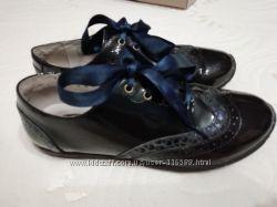Туфельки Umi в отличном состоянии, 35 размер, полностью кожа