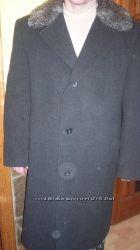 Зимнее пальто с каракулевым воротником 54-56размер