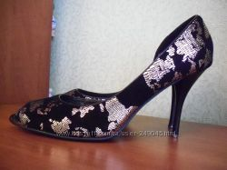 Продам фирменные туфли Sasha Fabiani 38 размер