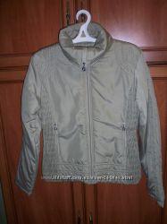 Продам демисезонную куртку  46-48