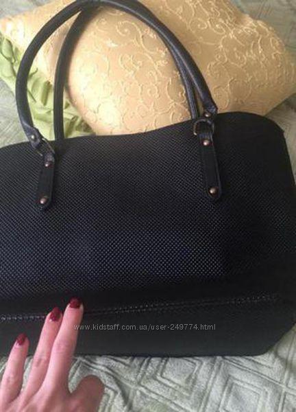 сумочка вместительная