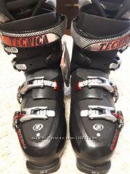 Горнолыжные ботинки на мужчину новые