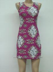 Яркое трикотажное платье. Размер 44-46
