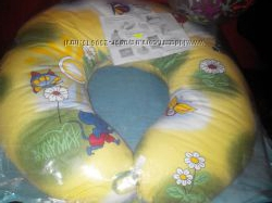 Подушка для кормления и сидения малыша