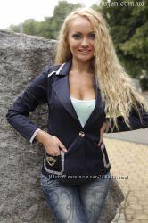 Распродажа спешите Недорого  красивый стильный пиджак можно в школу