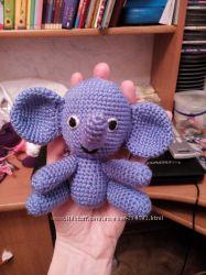 Маленький слонёнок на ладошку