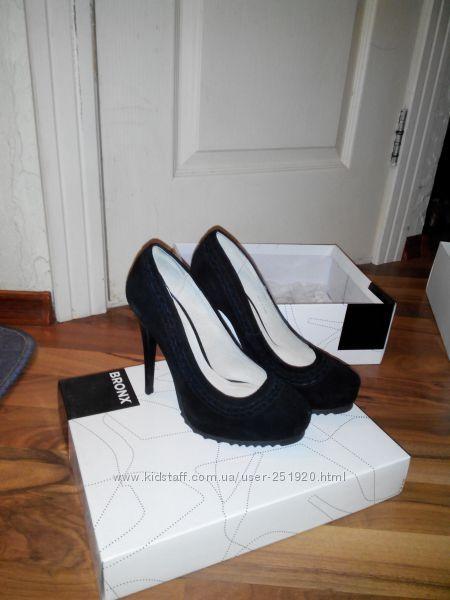 Туфли женские Bronx.