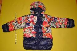 Очень стильная куртка Gap с цветочным принтом.