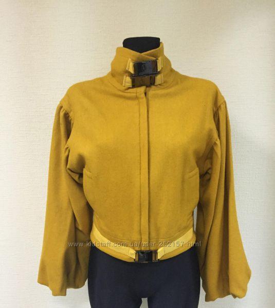 Желтое женское короткое шерстяное пальто Leagel