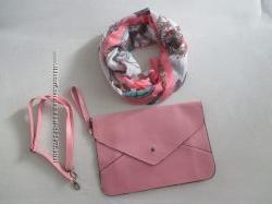 Сумка-планшет розового цвета