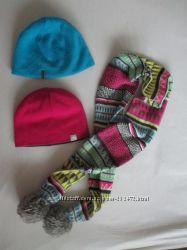 Набор для девочки или девушки - 2 шапки и шарфик