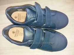 Очень классные кроссовки Pablosky 36р.