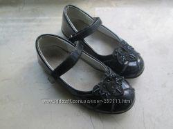 Лаковые туфельки фирмы UFO