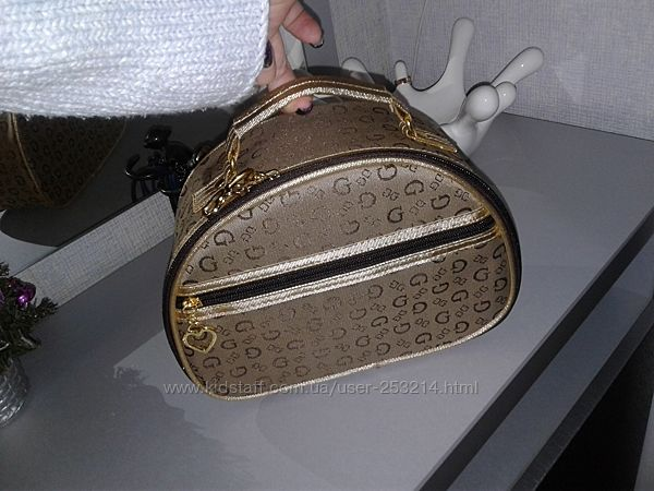 Косметичка большая золотая сумочка GG