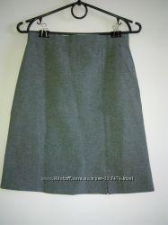новая юбка р-р 34 евро, можно в школу