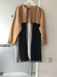 Трехцветное легкое пальтишко Zara р. S