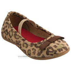 Обувь для девочки Carters - в наличии