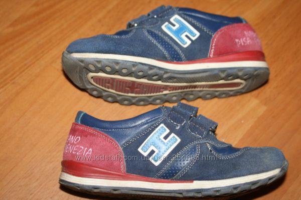 Шалунишка кроссовки размер 30 - 19, 5 см. стелька.