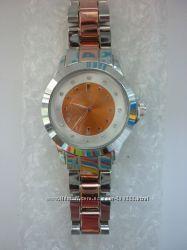 Новые женские наручные часы.