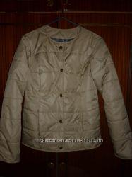 Новую курточка Шанель размер 44.