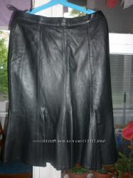 Новая юбка, кожа. Размер L.