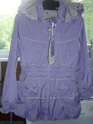 Продам новую курточку-плащ рост 122.