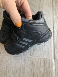 Ботинки adidas gore-tex состояние новых
