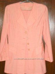 лёгкое пальто-жакет  на стройную девушку. 42-44 р.  Розовая тонкая шерсть
